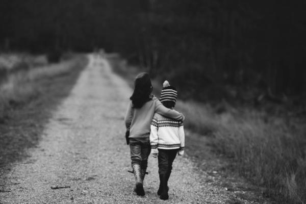walking-black-amp-white-child-kid